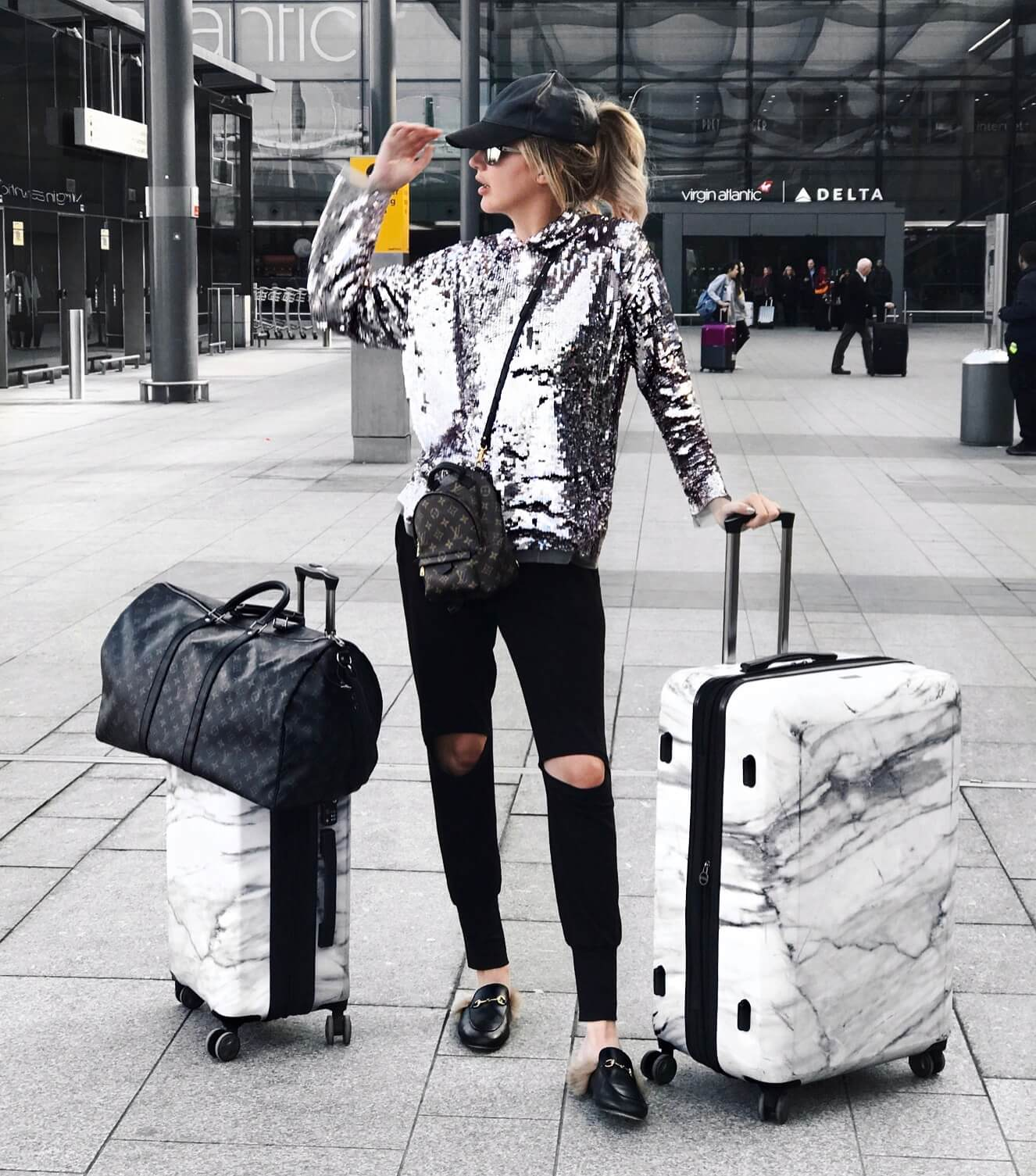 Carly Cristman - Airport Outfit LA to London - Travel Outfits